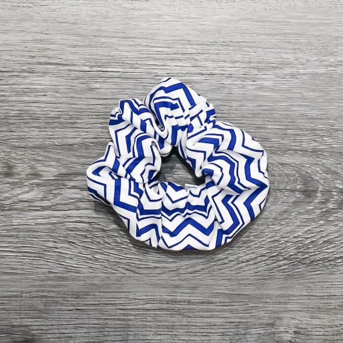 Chouchou cheveux - motif chevrons bleu